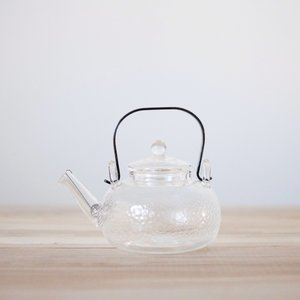 Kettle-Style Glass Teapot w/ Copper Handle: textured sides w/ stainless steel spiral filter & glass lid- 12 oz.